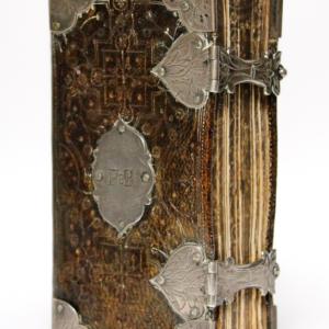 Engels kerkboek pearl bible antieke boeken bijbels kerkboeken zilveren beslag zeldzaam 18e eeuw peter dullaert heilige handel