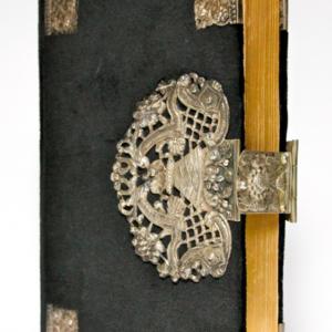 kerkboek zilveren beslag antieke bijbel 18e eeuw zilveren klampen peter Dullaert heilige handel