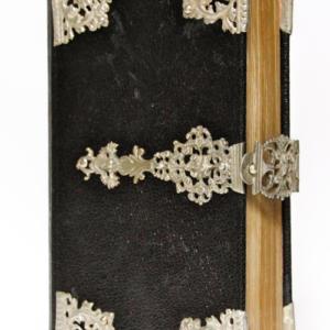 Nederlands kerkboek zilveren beslag antieke bijbel 18e eeuw zilveren klampen peter Dullaert heilige handel